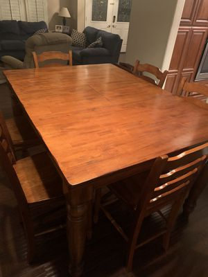 Dining room table for Sale in Etiwanda, CA