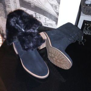 Timberland Boots For Women With Fur Black Suede Leather Size 9.5 Brand New for Sale in Smyrna, GA