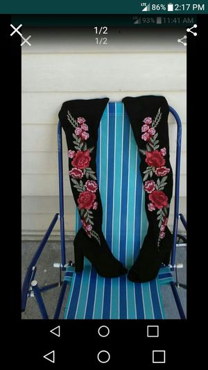 Wild Diva Black with Red Roses Boots & Shear Top for Sale in Nashville, TN