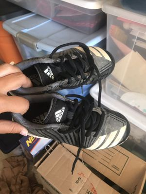 Boys size 13 baseball cleats Adidas for Sale in Nipomo, CA