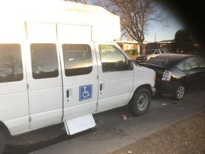 2006 Ford 350 with wheelchair lift for Sale in Denver, CO