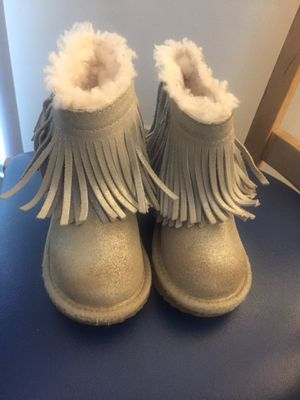 Girl Uggs Boots Size 9c for Sale in Charlotte, NC