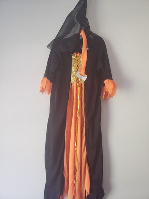 Witch Halloween girl costume size 5/7 like new for Sale in Smyrna, GA
