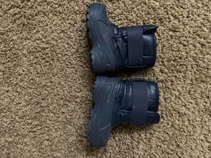 Stride rite size 5 snow boots blue * excellent condition * for Sale in Las Vegas, NV