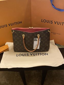 Louis Vuitton Pallas BB for Sale in Fresno,  CA