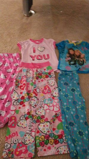 Size 6 pajamas for Sale in Avondale, AZ