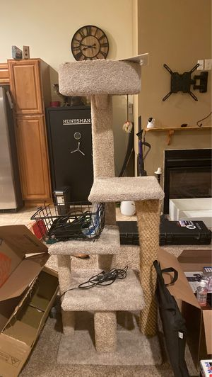 Cat tower for Sale in Sumner, WA