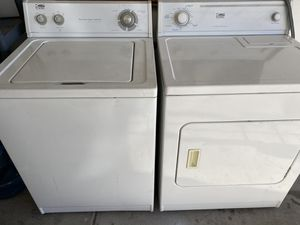 whirlpool washer and dryer set for Sale in Avondale, AZ
