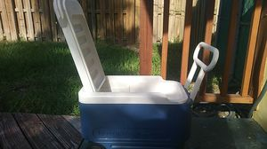 Igloo cooler with wheels for Sale in Hollywood, FL