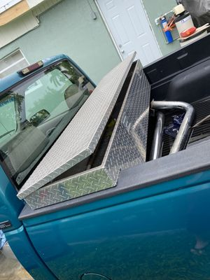 Truck tool box for Sale in Homestead, FL