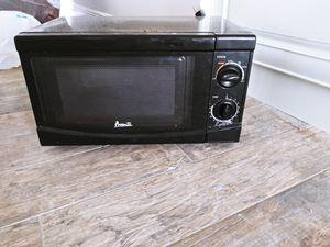 Black Avanti Microwave for Sale in Pompano Beach, FL