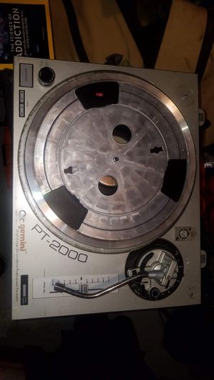 Gemini pt 2000 direct drive turntable, does not include needle stylus. Works great dj equipment for Sale in Waynesville, NC