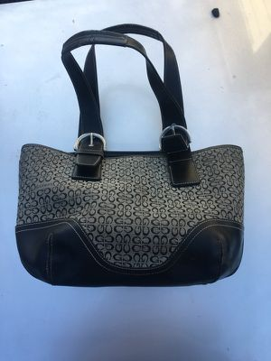 Guess purse for Sale in Salinas, CA