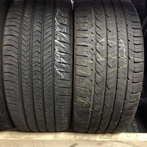 2 Tires 225 40 18 for Sale in Lincoln, RI