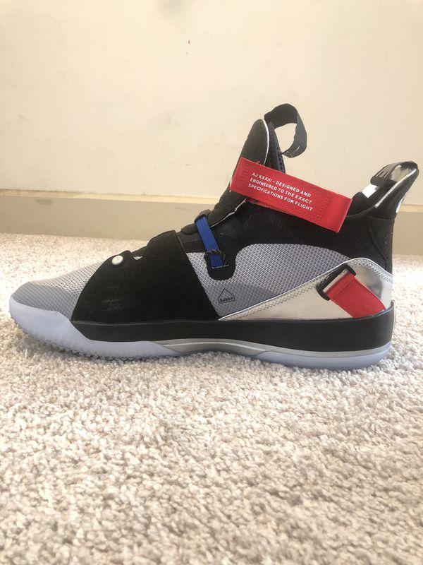 Good condition Jordan XXXIII 33 Size 15