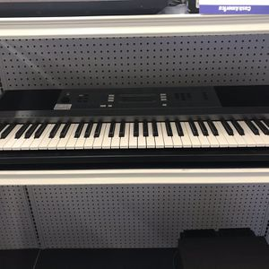 Yamaha PSR-E353 Keyboard for Sale in Friendswood, TX