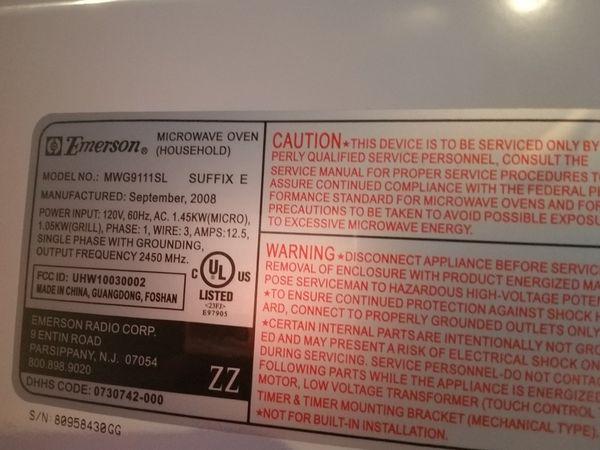 Emerson Microwave **LIKE NEW**