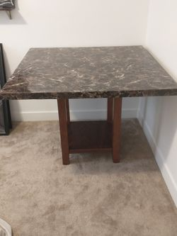 Dining Room Pub Set w/ 2 Benches & 2 Stools for Sale in Herriman,  UT