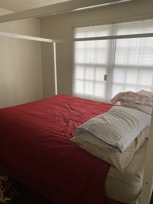 Canopy queen sized bed for Sale in Thomasville, GA
