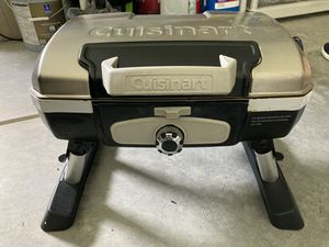 Cuisinart portable grill (with 4 propane tanks) for Sale in Charlotte, NC