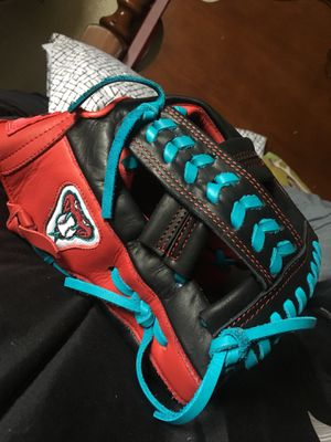 Baseball glove for Sale in Phoenix, AZ