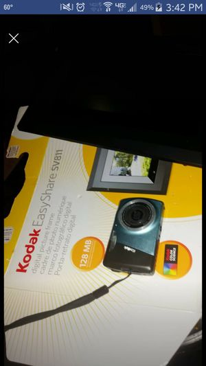Kodak easy share camera and digital picture frame for Sale in Benton, AR