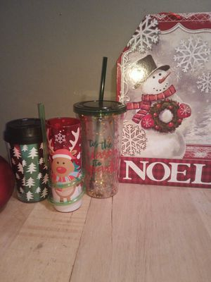Holiday cups with Tops and straws 3/$10.00 for Sale in Greenbelt, MD