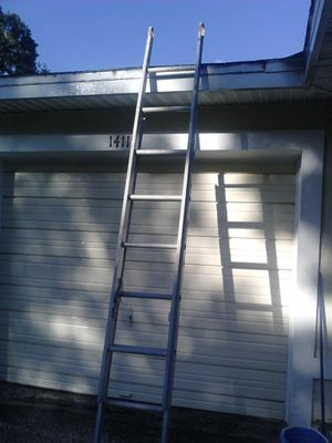 16 ft aluminum extension ladder for Sale in Tampa, FL