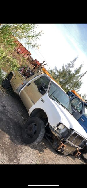 2001 Ford F450 for Sale in Miami, FL