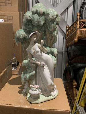 Lladro Waiting in the Willow Porcelain Figurine #1874 for Sale in New Rochelle, NY