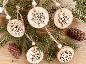 3 WOOD SNOWFLAKES CHRISTMAS ORNAMENTS for Sale in Winchester, VA