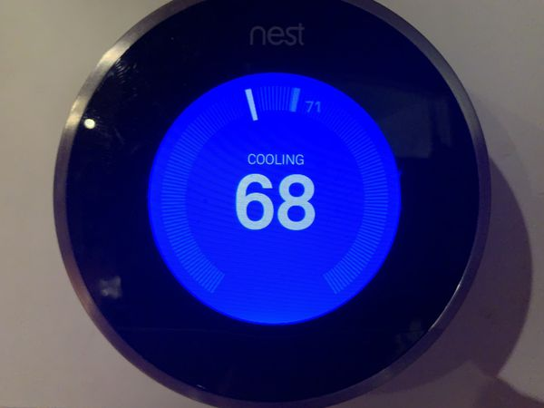 Nest thermostat. Like new works perfectly. New update installed