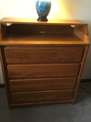 Baby changing table with 4 drawers for Sale in Farmington, CT