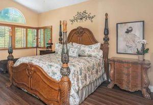 Cal King bedroom set for Sale in Oceanside, CA