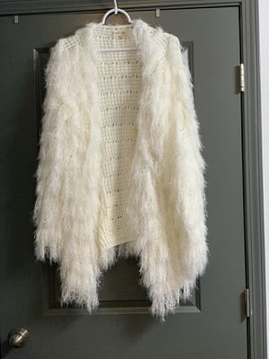 White fuzzy fringe sweater for Sale in Noblesville, IN