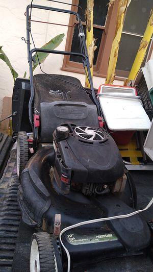 Craftsman Honda lawn mower for Sale in Fresno, CA