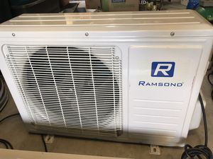 Mini Split AC/Heat 10,000btu unit for Sale in Sacramento, CA
