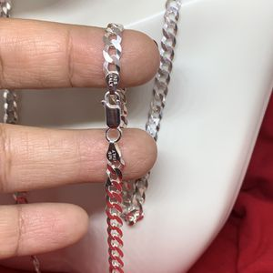 Plata/ Unisex/Curb Link/ 925 Sterling Silver Chain / 24 Inches/ 5.5 mm for Sale in Whittier, CA