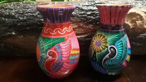 Floreros Mexicanos Artesanales . Hand crafted flower vases for Sale in Orosi, CA