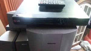 LG DVD/CD player with remote no hdmi port for Sale in Philadelphia, PA
