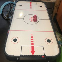 AIR HOCKEY TABLE!!! for Sale in East Islip,  NY