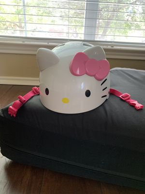 Hello Kitty Helmet 10-12 y for Sale in Pflugerville, TX