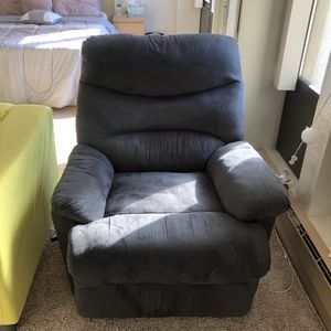 Lazy boy recliner for Sale in Boston, MA