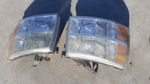 Headlights for a Chevy silverado pick up truck 2007 for Sale in Fontana, CA