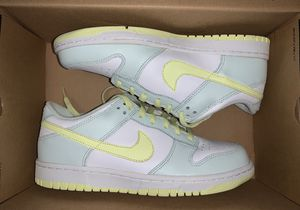 Tried on WMNS Nike Dunk Low Fiberglass Size 8.5 for Sale in Seattle, WA