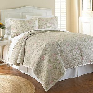 Waterford Floral Quilt for Sale in Mahwah, NJ