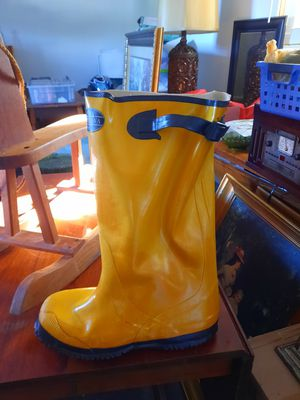 New Rain boots for Sale in Sanford, NC