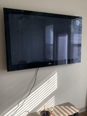 LG 60 Inch Flatscreen for sale!!! $175 for Sale in Fort Mill, SC