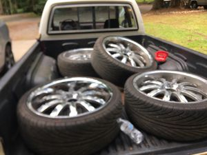20s really makes n tires 5x114.3 for Sale in Yelm, WA