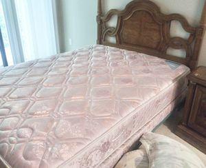 Vintage Queen Bedroom set, dresser, bed, nightstand and mattress for Sale in Norcross, GA